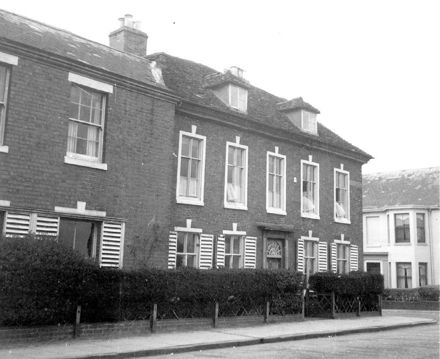 Corner of Abbey Hill. Abbey End can be seen extreme right. 1947 |  IMAGE LOCATION: (Warwickshire County Record Office)