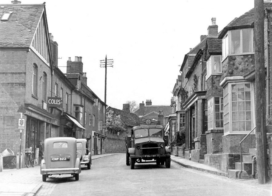 New Street, Kenilworth.  Circa 1947 |  IMAGE LOCATION: (Warwickshire County Record Office)