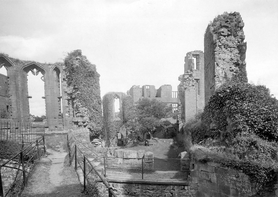 Kenilworth Castle, showing Leicester's Building & Presence Chamber from Great Hall.  Oriel on left.  1892-1904 |  IMAGE LOCATION: (Warwickshire County Record Office)