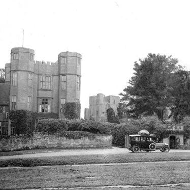 Kenilworth.  Castle gatehouse