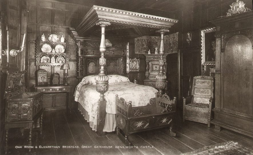 The Oak room and Elizabethan bedstead in The Great Gatehouse, Kenilworth Castle.  1930s |  IMAGE LOCATION: (Warwickshire County Record Office)