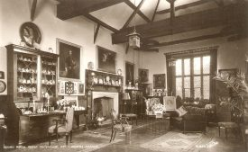 The Guard room in The Gatehouse at Kenilworth Castle.  1930s |  IMAGE LOCATION: (Warwickshire County Record Office)