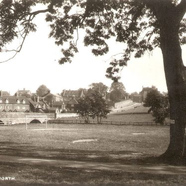 Kenilworth.  Abbey Fields
