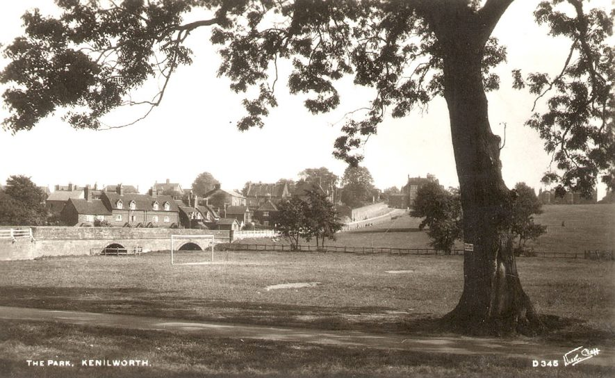 Abbey Fields and bridge, Kenilworth.  1930s |  IMAGE LOCATION: (Warwickshire County Record Office)