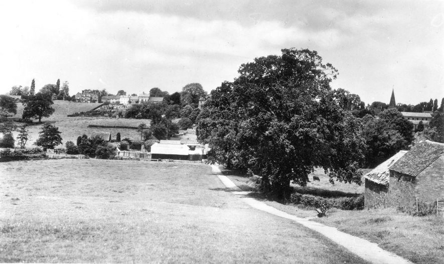 View of Abbey Fields, Kenilworth.  1950s |  IMAGE LOCATION: (Warwickshire County Record Office)
