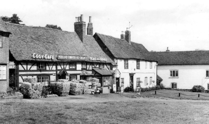 Kenilworth.  Castle Green |  IMAGE LOCATION: (Warwickshire County Record Office)