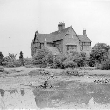 Kenilworth.  Rudfyn (now Redfern) Manor and gardens