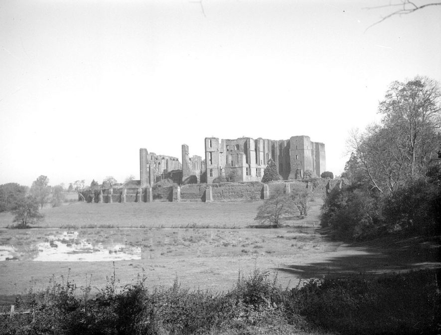Kenilworth Castle.  November 10th 1954. |  IMAGE LOCATION: (Warwickshire County Record Office)