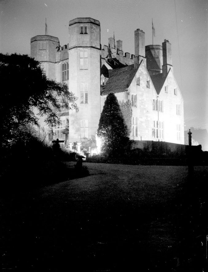 Kenilworth Castle gatehouse by floodlight.  1935 |  IMAGE LOCATION: (Warwickshire County Record Office)