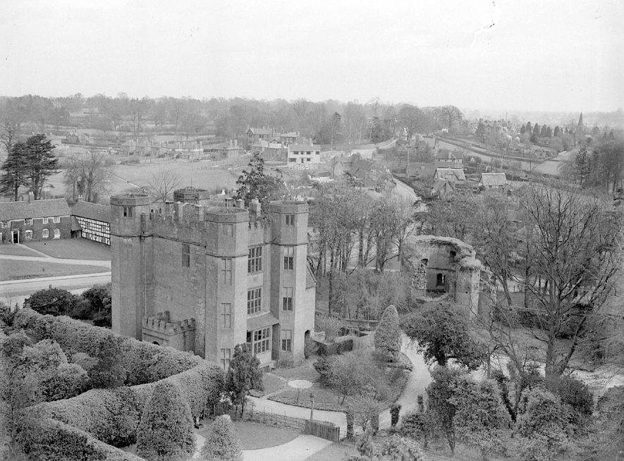 Kenilworth Castle gatehouse as seen from the keep.  March 6th 1939 |  IMAGE LOCATION: (Warwickshire County Record Office)