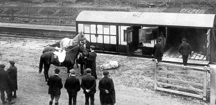 The King's horses at Dunchurch railway station when the King came to review the troops.  March 1915 |  IMAGE LOCATION: (Warwickshire County Record Office)
