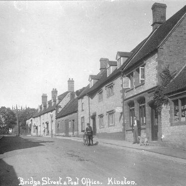 Kineton.  Bridge Street and post office