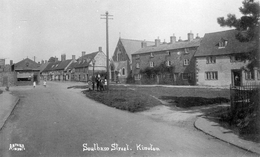 Southam Street, Kineton, showing cottages & terrace housing.  1920s |  IMAGE LOCATION: (Warwickshire County Record Office)
