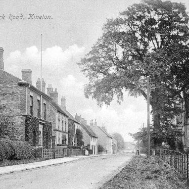 Kineton.  Warwick Road