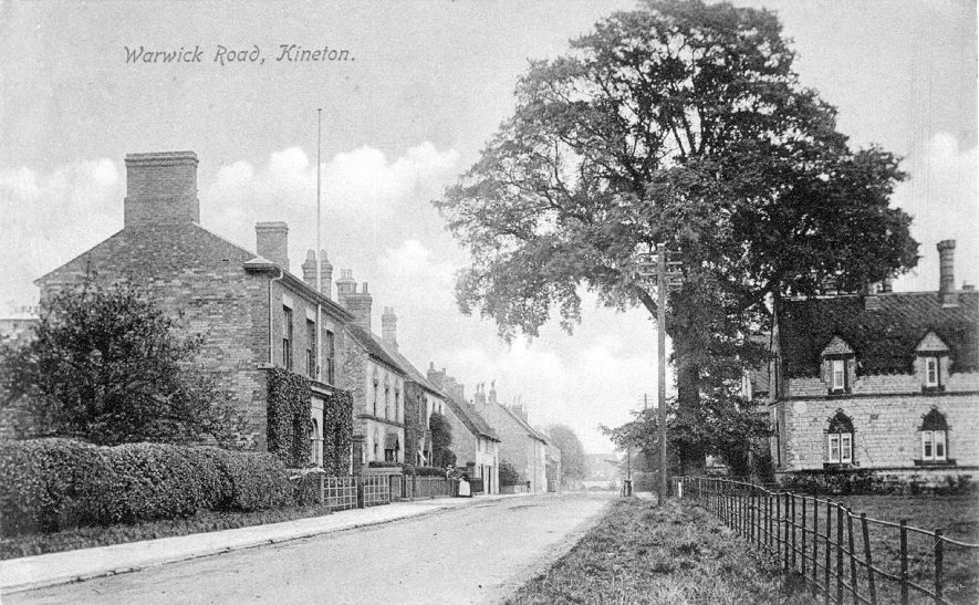 Warwick Road, Kineton, showing detached houses and cottages.  1916 |  IMAGE LOCATION: (Warwickshire County Record Office)