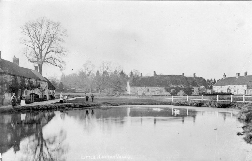 Little Kineton with village pond.  1910 |  IMAGE LOCATION: (Warwickshire County Record Office)