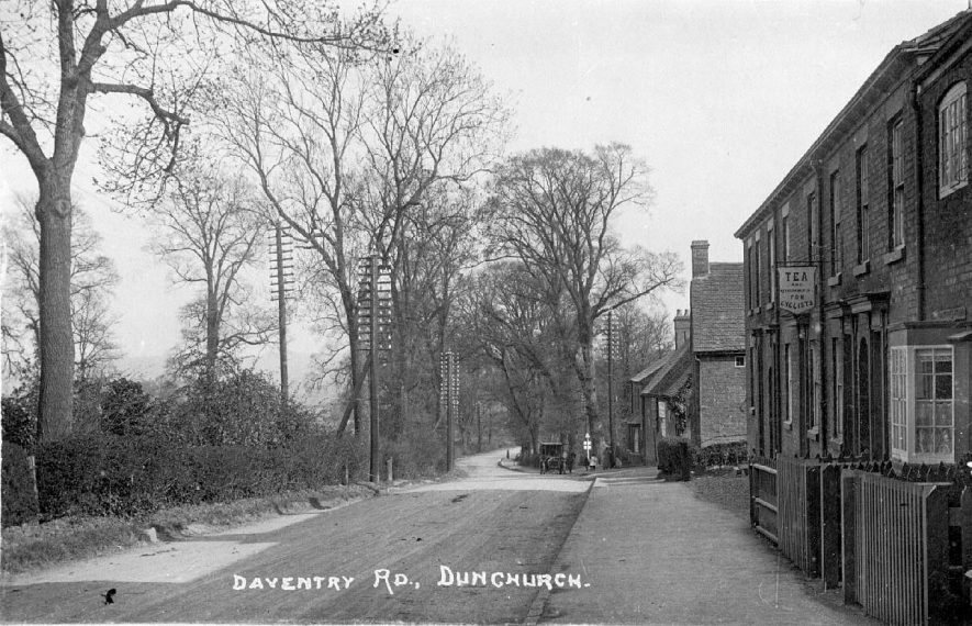 Daventry Road, Dunchurch with houses to right and trees opposite.  1910s |  IMAGE LOCATION: (Warwickshire County Record Office)