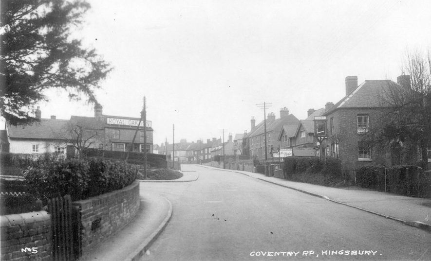 Coventry Road, Kingsbury, with The Royal Oak Inn on the left.  1930s |  IMAGE LOCATION: (Warwickshire County Record Office)
