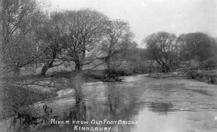 The River Tame from the old footbridge, Kingsbury.  1900s |  IMAGE LOCATION: (Warwickshire County Record Office)