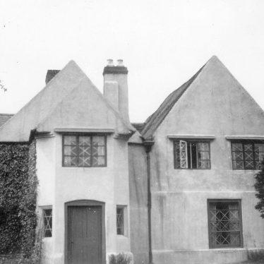 Kingsbury.  Holt Hall