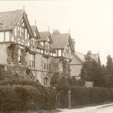 Kingswood.  Warwick Road.