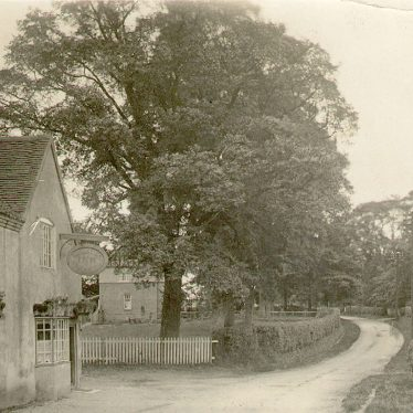 Kingswood.  Navigation Inn, Rowington Road