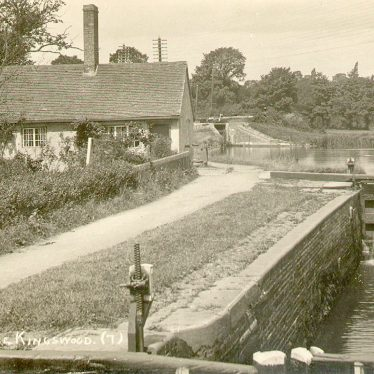 Kingswood.  Lock House and canal