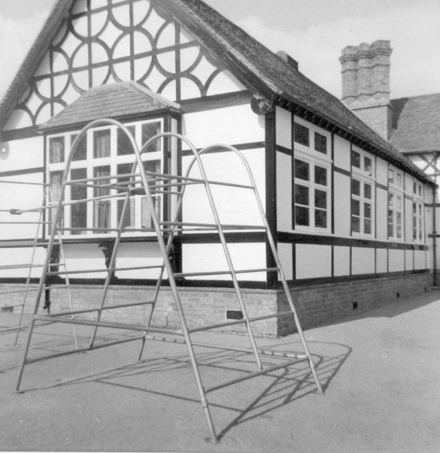 Ladbroke School buildings.  1920s |  IMAGE LOCATION: (Warwickshire County Record Office)