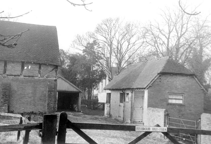 Bushwood Hall Farm buildings, Lapworth.  1920s |  IMAGE LOCATION: (Warwickshire County Record Office)
