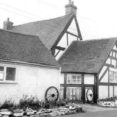 Lea Marston.  Dunton Lane House adjoining Haunch Cottage