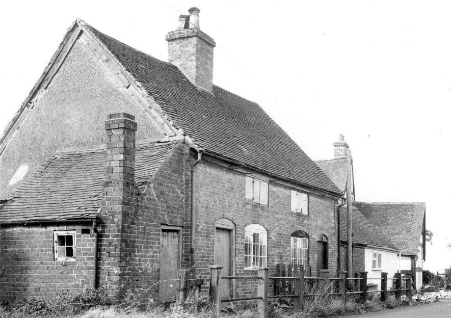 Haunch Cottage in Dunton Lane, Lea Marston.  1967 |  IMAGE LOCATION: (Warwickshire County Record Office)