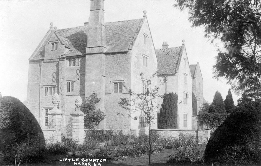 The manor house, Little Compton.  1930s |  IMAGE LOCATION: (Warwickshire County Record Office)