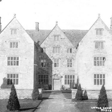 Little Compton.  Manor