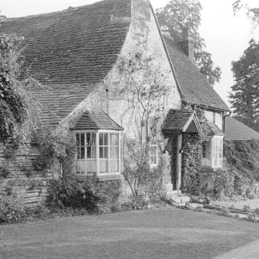 Welford on Avon.  Boat Cottage (formerly Boat Inn)