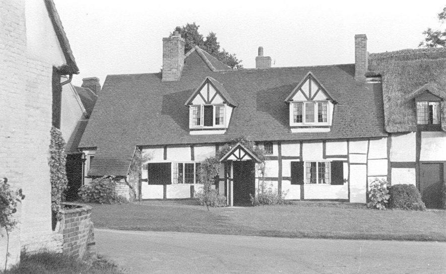 Greenbank Cottage, Welford on Avon.1947. |  IMAGE LOCATION: (Warwickshire County Record Office)
