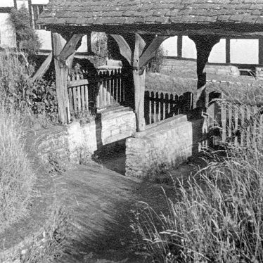 Welford on Avon.  Lychgate
