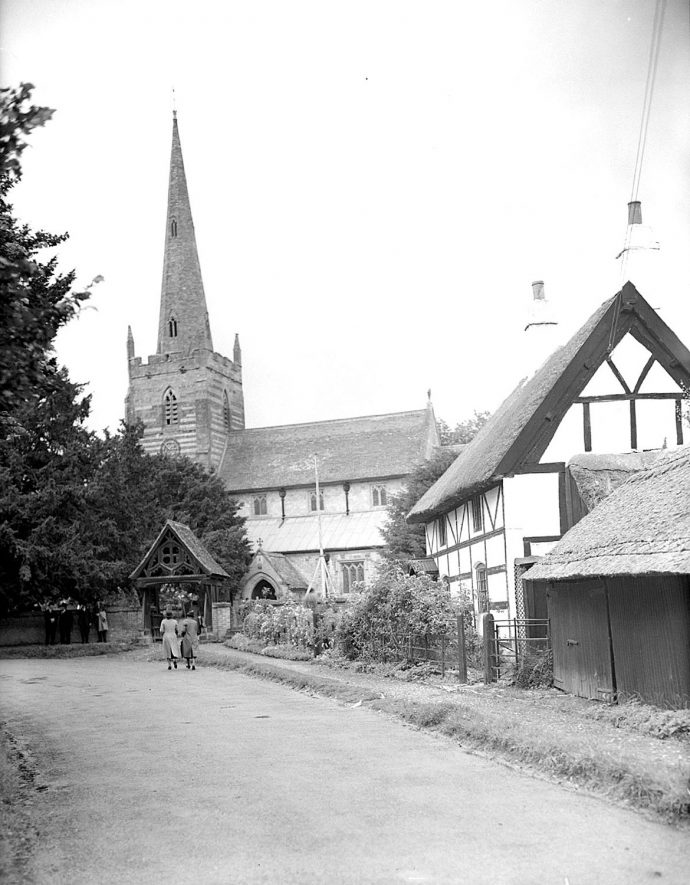 All Saints church and cottage, Ladbroke.  1939 |  IMAGE LOCATION: (Warwickshire County Record Office)