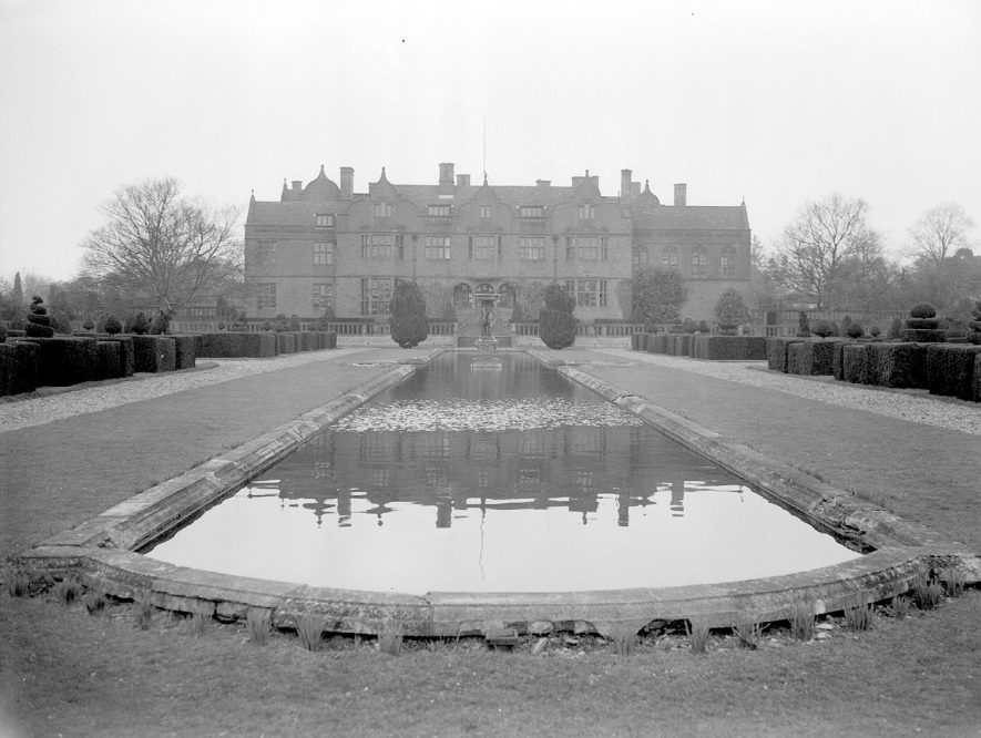 Rear of Moreton Paddox house and an ornamental lake.  1959 |  IMAGE LOCATION: (Warwickshire County Record Office)