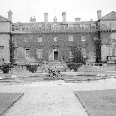 Moreton Morrell.  Moreton Hall Agricultural College