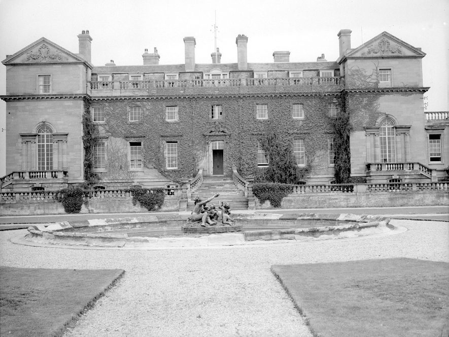 Moreton Hall Agricultural College, Moreton Morrell.  1953      IMAGE LOCATION: (Warwickshire County Record Office)