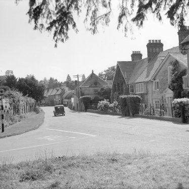 Moreton Morrell.  Village street