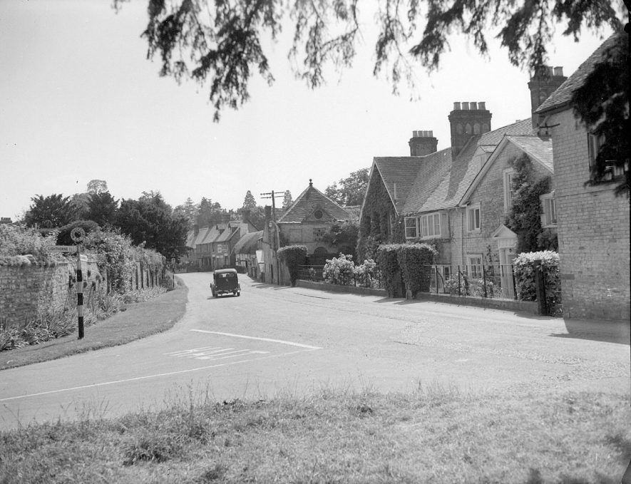 A street in the village of Moreton Morrell.  1953