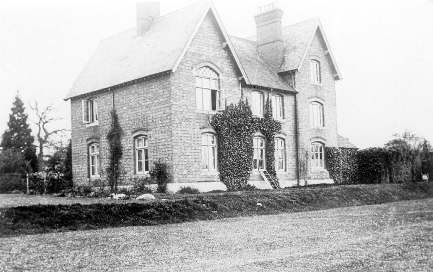 The vicarage at Moreton Morrell.  1906 |  IMAGE LOCATION: (Warwickshire County Record Office)