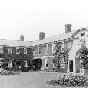 Moreton Morrell.  Moreton Hall stables