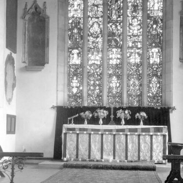 Mancetter.  St Peter's church interior