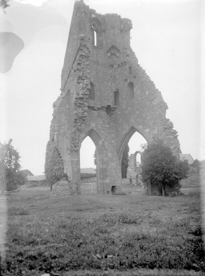 Maxstoke Priory ruins.  1926 |  IMAGE LOCATION: (Warwickshire County Record Office)