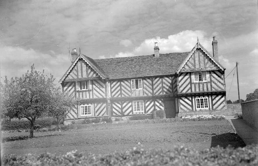 Exterior of Devon House, a large timbered house in Long Itchington.  May 1957 |  IMAGE LOCATION: (Warwickshire County Record Office)