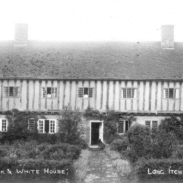Long Itchington.  Black and White House