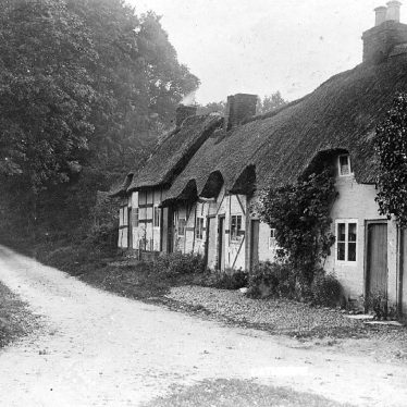 Eathorpe.  Thatched cottages