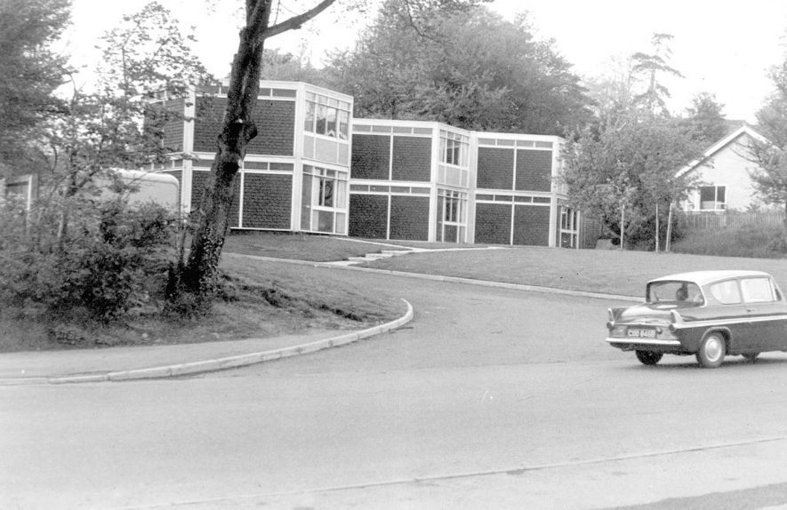 Hexagonal style housing in Lillington.  1967 Hexagonal style housing in Lillington.  19 |  IMAGE LOCATION: (Warwickshire County Record Office)
